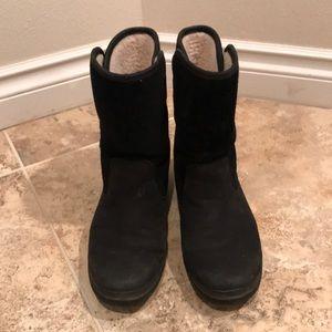 Ugg Women Waterproof Boot Oren Model 7.5 US Black